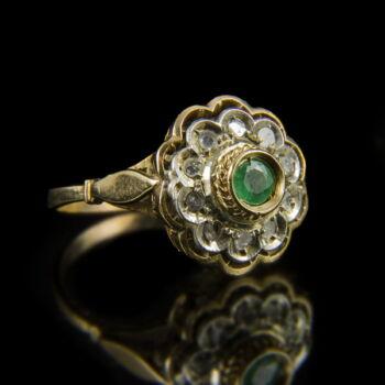 Rozetta fazonú zöld üveg köves arany gyűrű