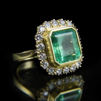 Smaragd és gyémánt köves női arany gyűrű