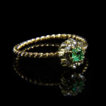 Smaragd-gyémántköves női arany gyűrű