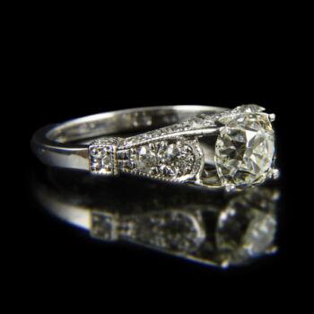 Szoliter fazonú fehérarany gyémánt gyűrű