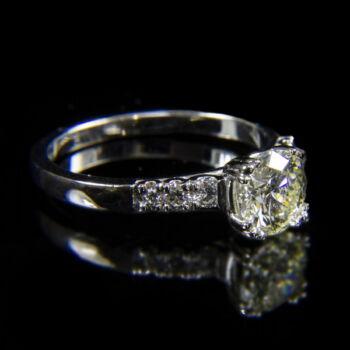 Szoliter fazonú fehérarany gyűrű 1.22 ct-os gyémánt kővel