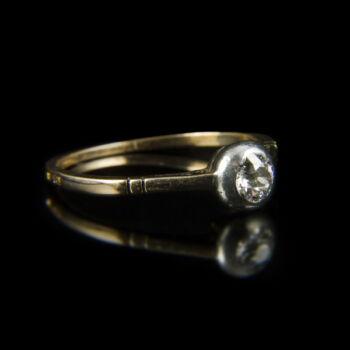 Szoliter gyűrű bouton foglalatban régi csiszolású gyémánt kővel