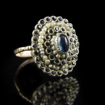 Zafír köves női gyűrű gyöngyökkel