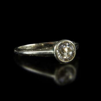 14 karátos fehérarany szoliter gyűrű régi csiszolású gyémánt kővel (0.75 ct)