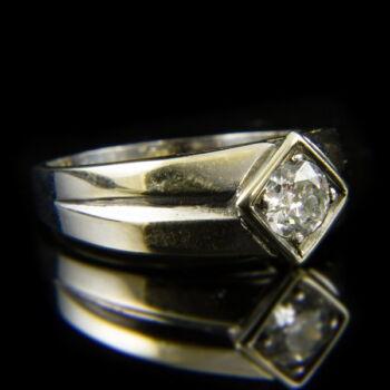 14 karátos fehérarany gyűrű régi csiszolású gyémánt kővel (0.70 ct)