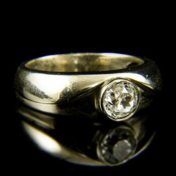 14 karátos fehérarany szoliter gyűrű régi csiszolású gyémánt kővel (0.72 ct)
