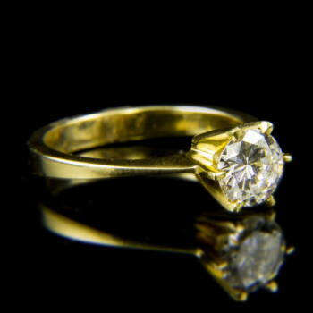14 karátos sárgaarany szoliter gyűrű briliáns csiszolású gyémánt kővel (0.79 ct)