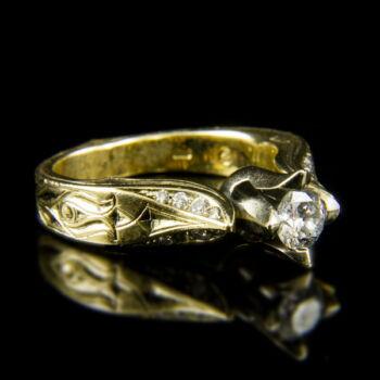 14 karátos szoliter fazonú sárgaarany gyűrű gyémánt kövekkel