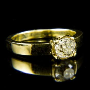 14 karátos sárgaarany szoliter gyűrű régi csiszolású gyémánt kővel (0.95 ct)