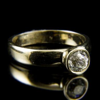 18 karátos arany gyűrű régi csiszolású gyémánt kővel (0.64 ct)