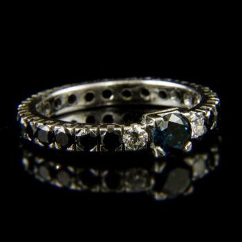 Fekete gyémánt köves Sport gyűrű kék brillel