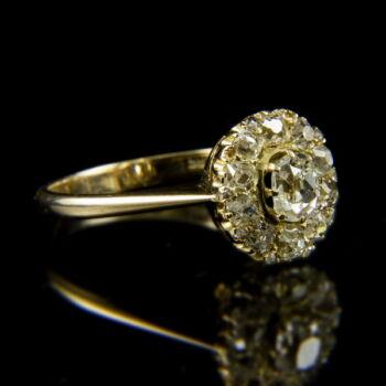 Rozetta fazonú sárgaarany gyűrű régi csiszolású gyémánt kövekkel