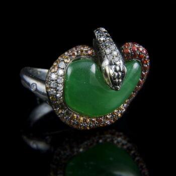 Kígyós jáde gyűrű drágakövekkel