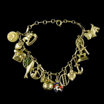 14 karátos arany zsuzsu karkötő 17 db függővel