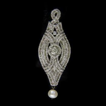 Gyémánt köves platina medál