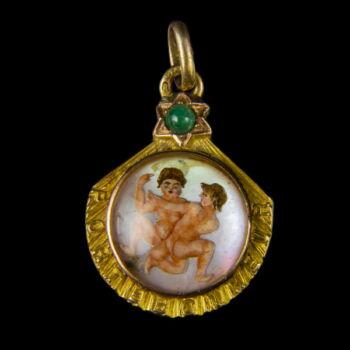 Zodiákus arany medál gyöngyház lapon IKREK