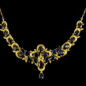 Arany nyakék zafír kövekkel