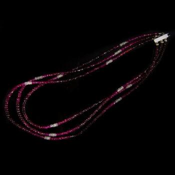 Háromsoros rubin nyaklánc fehérarany csattal
