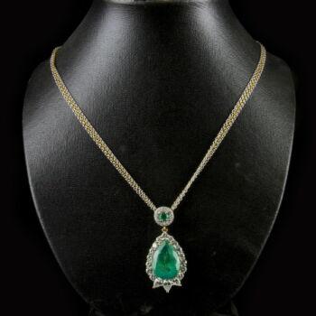 Smaragd nyaklánc briliáns csiszolású gyémánt kövekkel