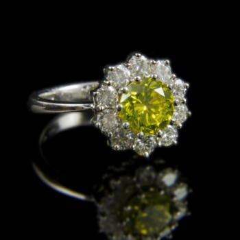 Rozetta fazonú gyűrű sárga gyémánt kővel