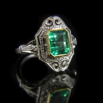 Smaragd gyűrű gyémánt kövekkel