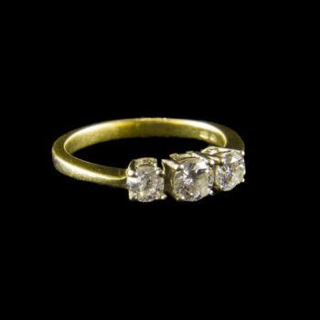 Alliance gyémánt köves arany gyűrű