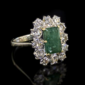 Gyűrű smaragd és gyémánt kövekkel