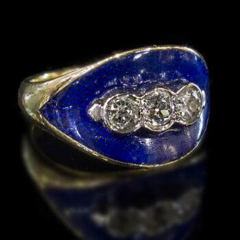Zománcozott arany gyűrű gyémántokkal