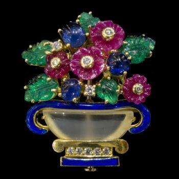 Virágkosár alakú drágaköves arany kitűző