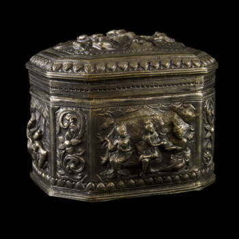 Burmai ezüst fedeles dobozka 423g.