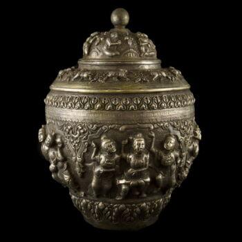 Burmai ezüst fedeles edény  912g