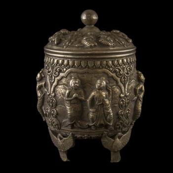 Burmai ezüst fedeles tartóedény 444 gr