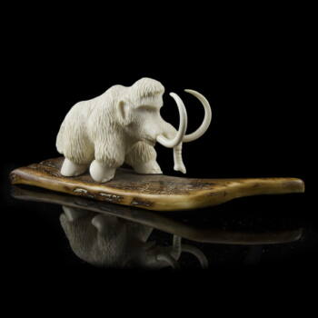Mamut figura mamutcsont talapzaton