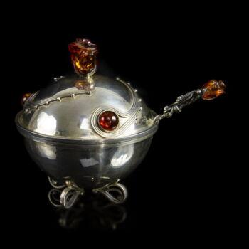 Fedeles ezüst cukortartó borostyán fogantyúval