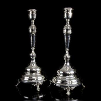Pesti dianás fémjelzésű ezüst gyertyatartó pár