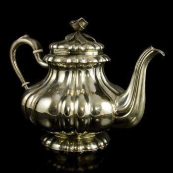 Pesti ezüst teáskanna