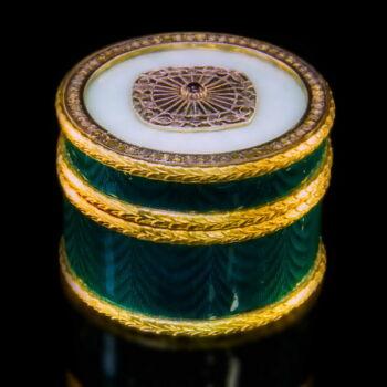 Fabergé stílusú aranyozott ezüst szelence gyémántokkal