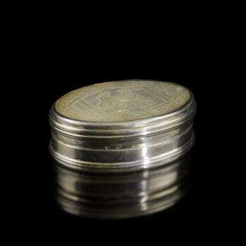 Gyöngyház fedeles ezüst szelence