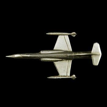 Ezüst mini vadászrepülőgép
