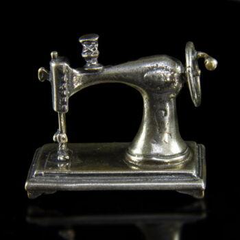 Mini ezüst varrógép