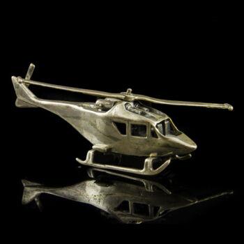 Mini ezüst katonai helikopter