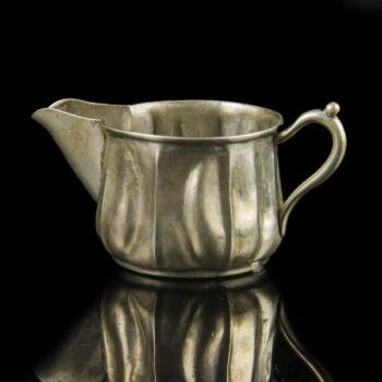 Pesti ezüst tejkiöntő