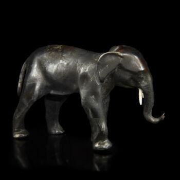 Mini ezüst elefánt figura