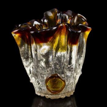 Üveg váza borostyán barna hullámos peremmel