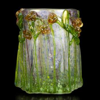 Smetana Ágnes üveg díszváza rózsákkal