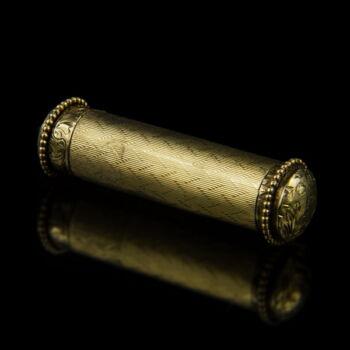 14 karátos arany rúzstartó vésett díszítéssel