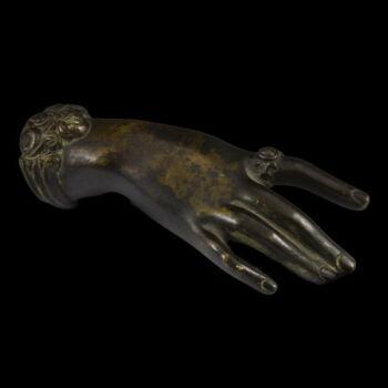 Bronz kézfej alakú levélnehezék