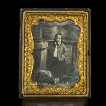 Dagerrotípia bőr tokban kisfiú képével
