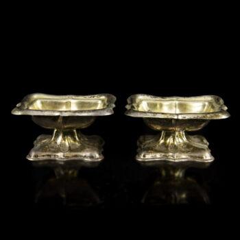 Antik ezüst talpas fűszertartó pár Bécs 18?9
