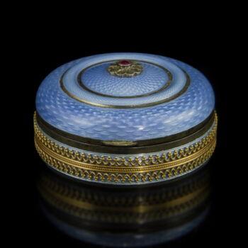 Aranyozott ezüst gyógyszeres szelence világoskék lüszterzománc díszítéssel
